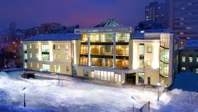 Die Scientology Kirche Moskau Das neue Zuhause für die Scientology Kirche Moskau befindet sich im zentralen Gartenring der Stadt nur 1,6 Kilometer vom Roten Platz entfernt. Dieses neue Gebäude ist die bedeutendste Scientology Kirche in der Russischen Föderation.