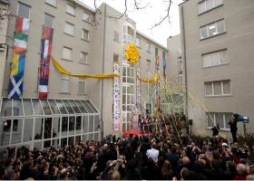 Am 23. Januar 2010 schlossen sich Würdenträger aus ganz Europa den fast eintausend Scientologen und Bürgern zur Einweihung des Brüsseler Zweiges der Scientology Kirchen für Europa an.