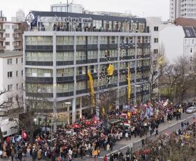 Am 13. Januar 2007 feierten Tausende Scientologen sowie Gäste von den Vereinten Nationen, der US-Botschaft und europäischer Nachrichtenorganisationen die Einweihung der Scientology Kirche Berlin.